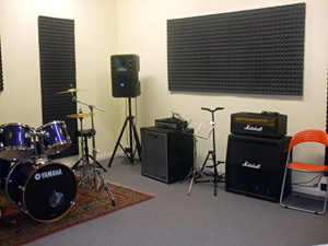 Scuola di musica e accademia corale roberto goitre la scuola sala prove - Sala insonorizzata ...